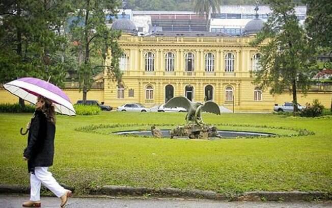 Petrópolis possui vários casarões históricos do período do Segundo Reinado, como o Palácio Amarelo