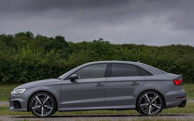 Audi RS3 Sedan tem boa parte do bom desempenho por causa do bem acertado câmbio de dupla embreagem