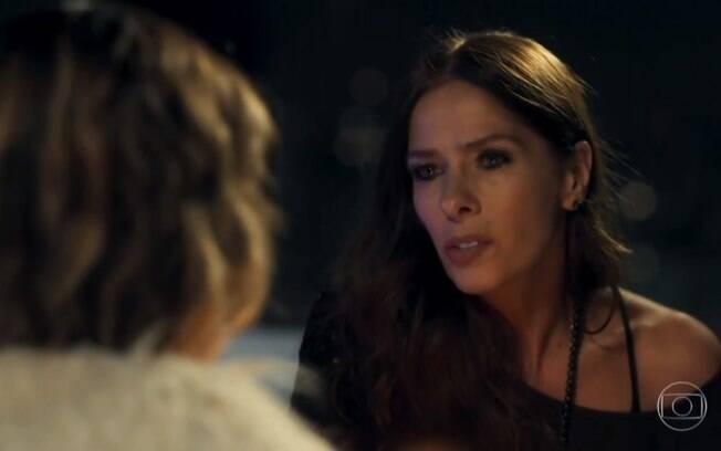 Adriane Galisteu arrasa na vilania e rouba a cena em primeira novela da Globo