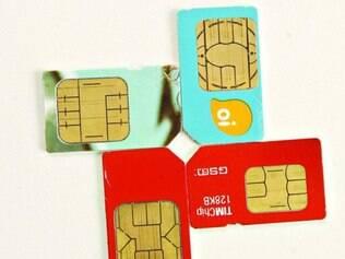 Visado.  Pessoas oferecem chips com números repetidos ou de fácil memorização, por preço salgado