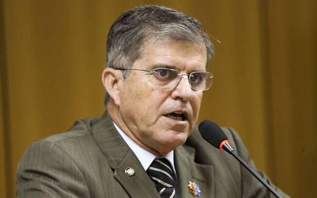Guilherme Theophilo não é mais secretário da Segurança Pública