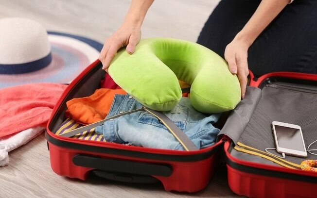 Lembrar de alguns itens na hora de arrumar a mala pode te salvar de diversos perrengues na viagem