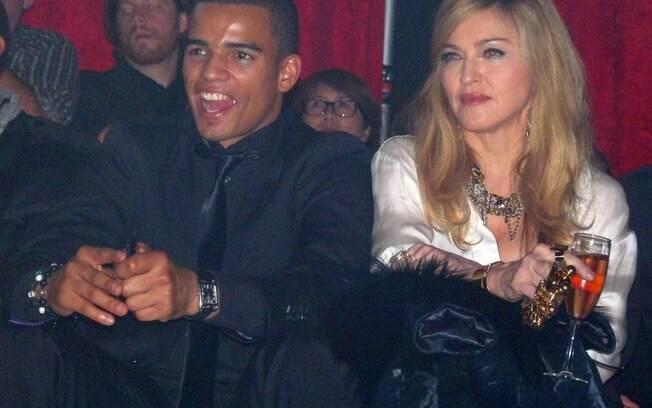 29 ANOS: Madonna (54 anos) e Brahim Zaibat (25 anos). Foto: SplashNews