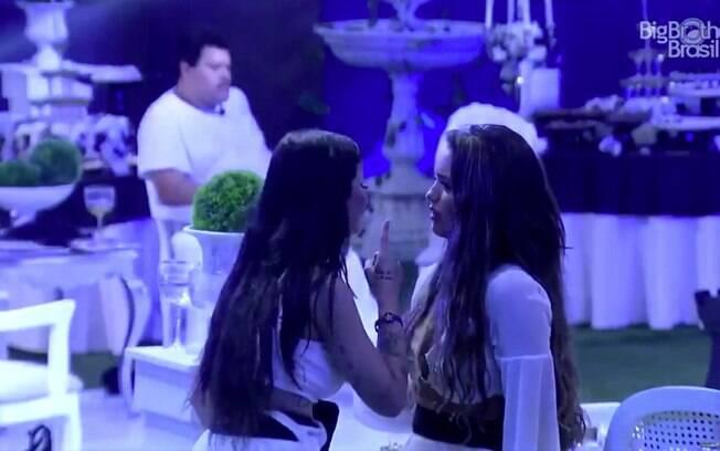 Boca Rosa e Rafa Kalimann brigando