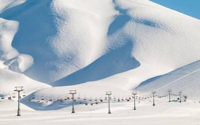 Corralco conta com neve de alta qualidade e é procurado por esquiadores mais experientes