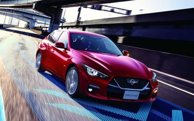 Nissan Skyline da nova geração vem com sistema que assume o controle total do carro, mas apenas em vias expressas