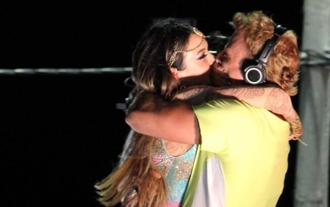 Cássio Reis e Alinne Rosa: beijo de brincadeira, mas com intenção