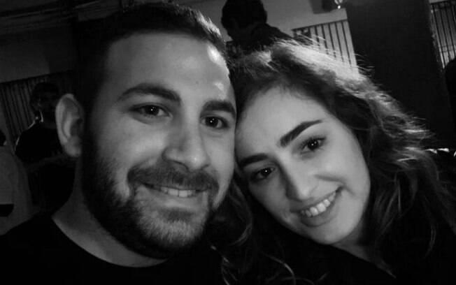 A história de amor entre Adaya e Michael começou num voo de Londres para Tel-Aviv, com uma troca de assentos