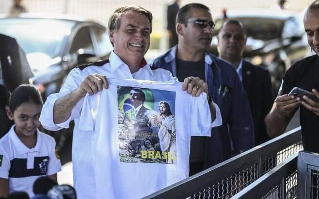 Bolsonaro afirmou que dará indulto a agentes envolvidos em casos polêmicos