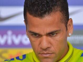 Daniel Alves sabe que não pode dar mole