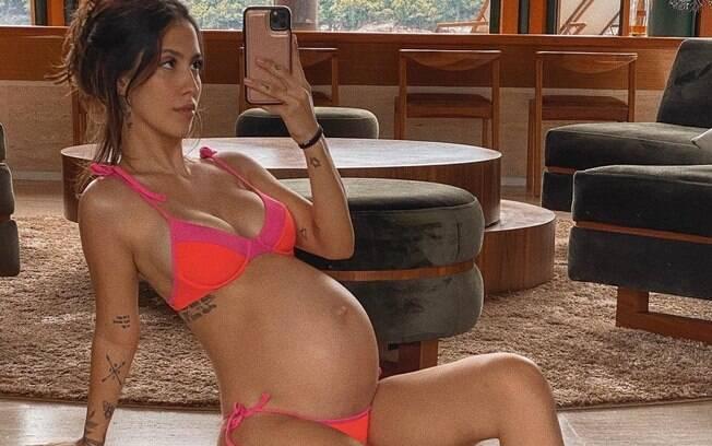 Gabi Brandt mostra barrigão de 7 meses de gravidez