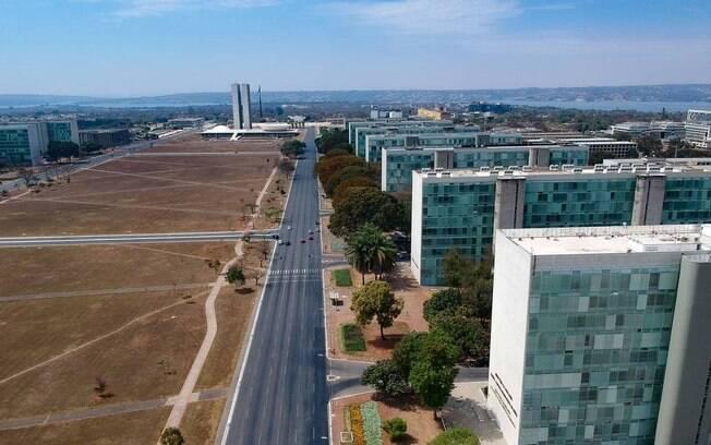 Na Esplanada dos Ministérios, em Brasília, limitação da estabilidade a certas carreiras do serviço público pode gerar preocupação