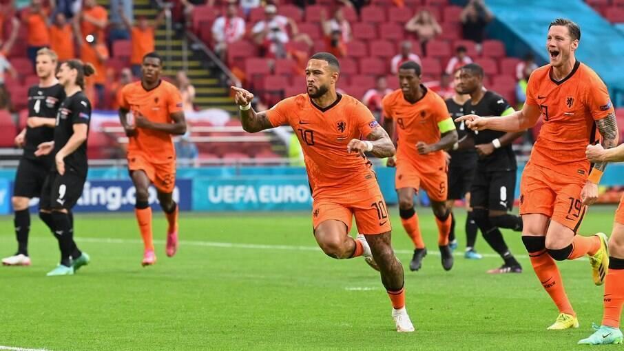 Holanda supera a Áustria na Eurocopa