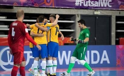 Brasil bate a República Tcheca na Copa do Mundo de Futsal