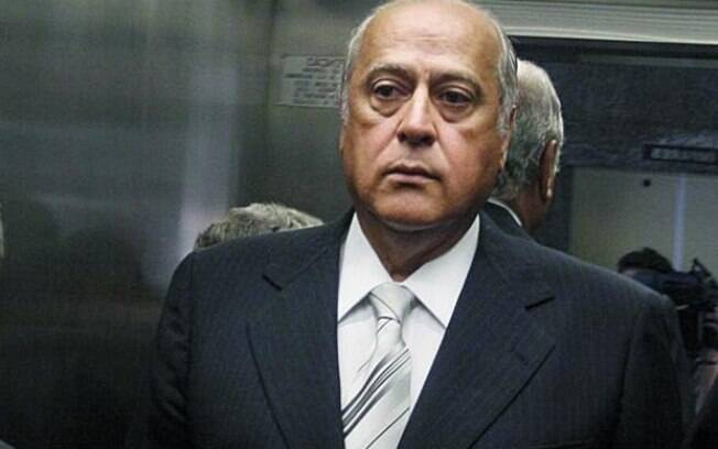 Em 2013, Queiroz foi condenado a seis anos e seis meses por corrupção e lavagem de dinheiro
