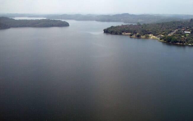 Usina solar foi contruída na represa Billings