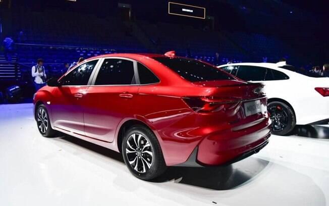 Chevrolet Monza na versão RS tem para-choque traseiro  exclusivo e um discreto defletor de ar na tampa do porta-malas