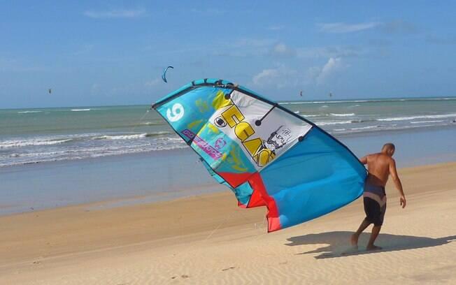 Praia do Santo Cristo, em São Miguel do Gostoso, é ideal para kite e windsurf