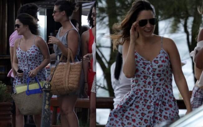 Fernanda Vasconcellos com as amigas na praia