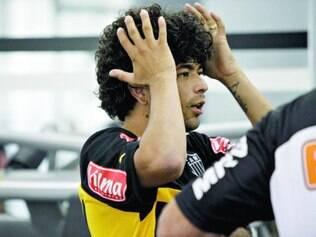 Bom de cabeça.  Com Levir Culpi no comando da equipe alvinegra, o meia-atacante Luan é quem mais marcou gols em cabeceios