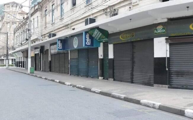 Núcleos do ramo de alimentação e shoppings não serão abertos ao público nesta fase.