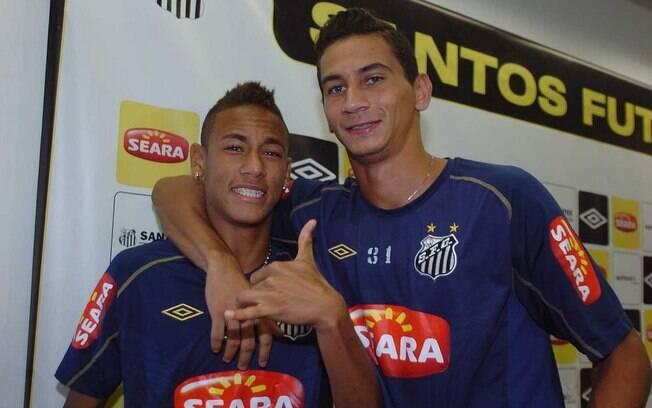 """Neymar e Ganso são considerados as  """"estrelas"""" do time"""