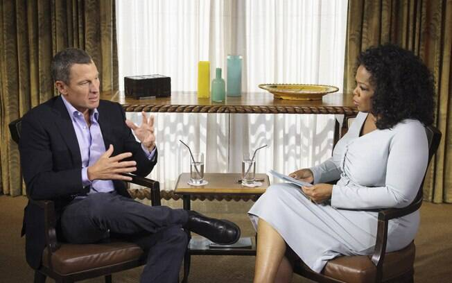 Lance Armstrong confessou doping em  entrevista a Oprah Winfrey na televisão