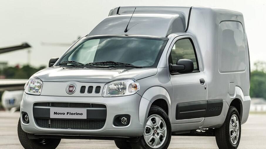 Fiat Fiorino é veterano entre os furgões disponíveis no Brasil, se destacando pela relação custo-benefício