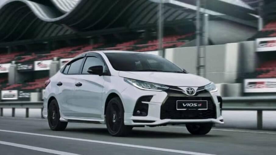 Toyota Yaris Sedã GR-S: versão esportiva do sedã também não é vendida no Brasil, onde o modelo ainda terá uma discreta reestilização