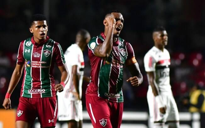 Digão comemora gol do Fluminense contra o São Paulo