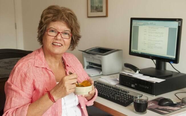 Lanche: gelatina de maracujá e refrigerante
