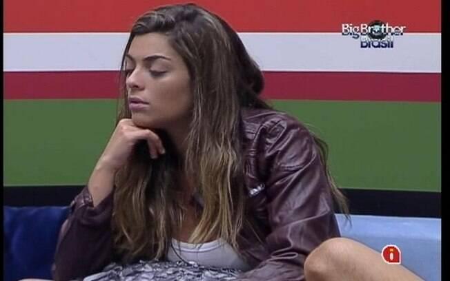 Monique se queixa do comportamento de Fabiana após o Jogo da Discórdia