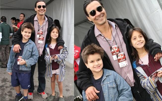 André Gonçalves levou seus filhos Pedro e Valentina para acompanhar o evento
