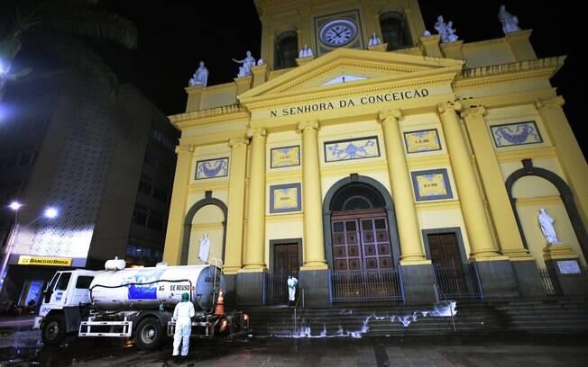 Catedral de Campinas já não vinha realizando missas, mesmo com permissão.