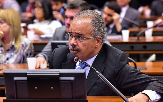 Deputado Vicente Candido (SP) é indicado do PT para a comissão do impeachment.. Foto: Zeca Ribeiro / Câmara dos Deputados - 16.03.16