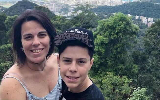Denise Lugli e o filho Vinícius, de 13 anos