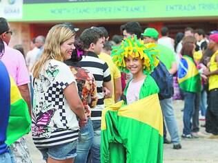 Alegria. Mesmo com a fila para retirar os ingressos, o torcedor compareceu e festejou a presença da seleção em Goiânia