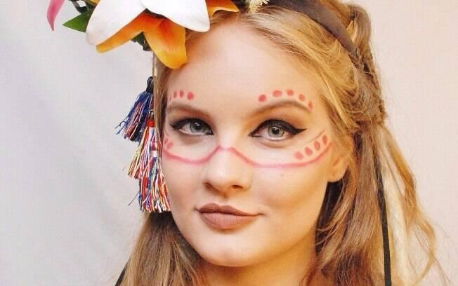 Valentina Bulc é transformada em uma bela índia repaginada para esse carnaval