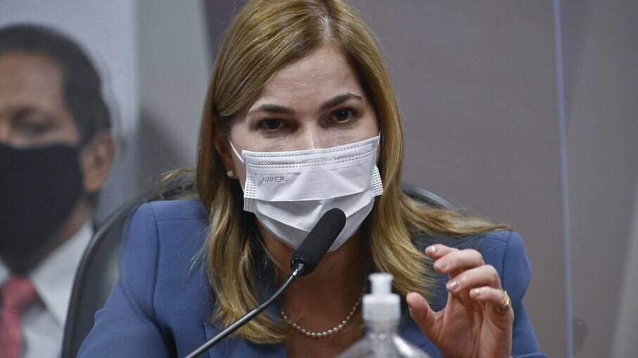 'Capitã Cloroquina', Mayra Pinheiro