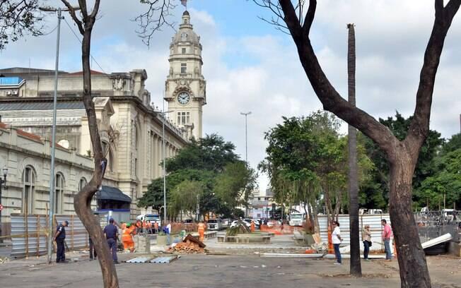 Praça Julio Prestes, na região central de São Paulo. Viciados e traficantes montaram barracas no local