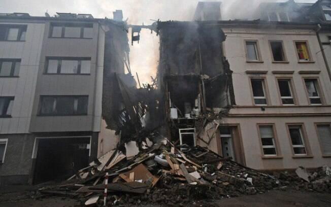 A explosão em um prédio na cidade de Wuppertal, oeste da Alemanha, deixou 25 pessoas feridas neste domingo