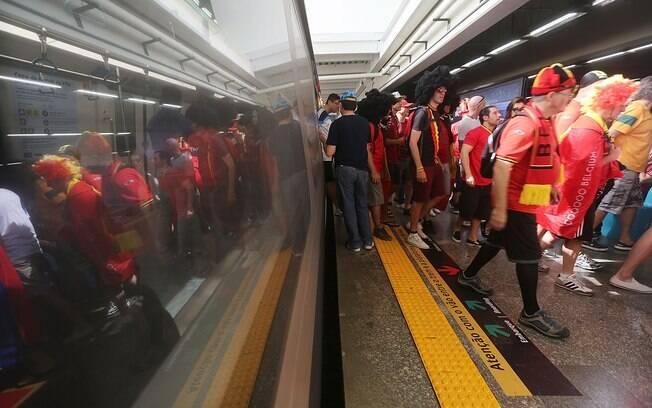Metrô de São Paulo e a demanda de torcedores a caminho da Arena Corinthians: sistema de transporte público funcionou em boa parte das cidades
