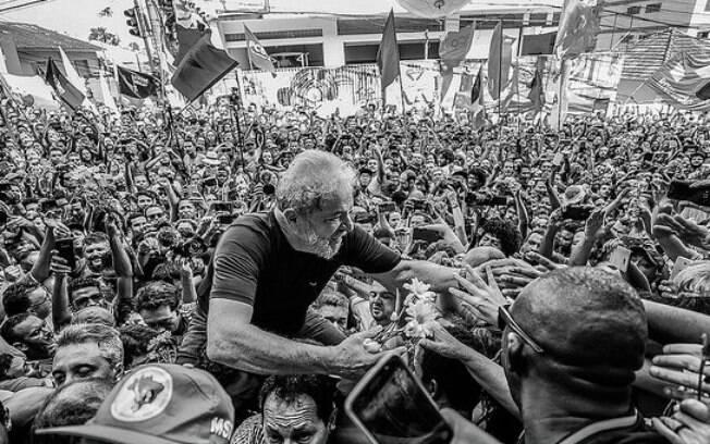 Com Lula preso, PT se dividiu na luta pela liberdade do ex-presidente e viu a concorrência pela oposição crescer