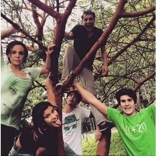 Nicolas e a família fictícia da nova temporada de 'Malhação'