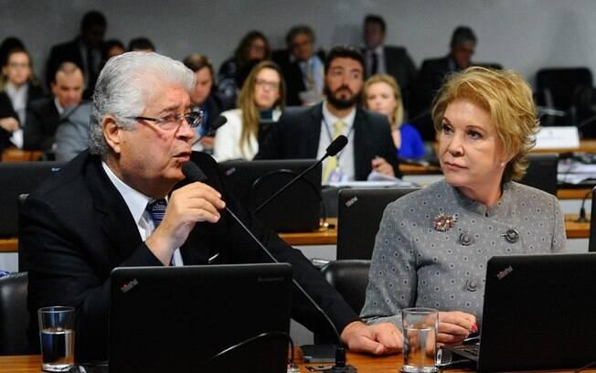 Casamento homossexual: substitutivo do senador Roberto Requião ao projeto de Marta Suplicy passará pelo plenário