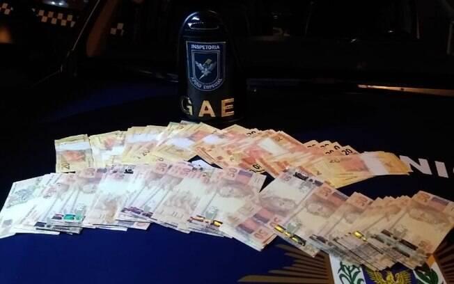 Casal é preso em Campinas com R$ 9,9 mil em notas falsas