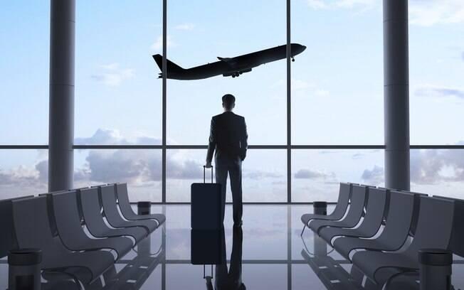 12. Ele viaja muito a negócios e você não pode controlar suas atividades. Foto: Thinkstock
