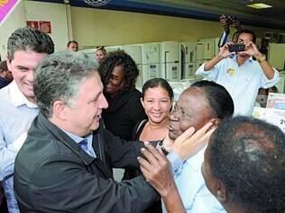 Campanha. Anthony Garotinho visitou ontem o município de Queimados, na Baixada Fluminense