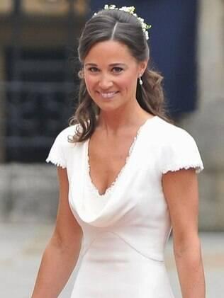 Pippa exibe pele bronzeada no casamento da irmã, a jovem Kate Middleton