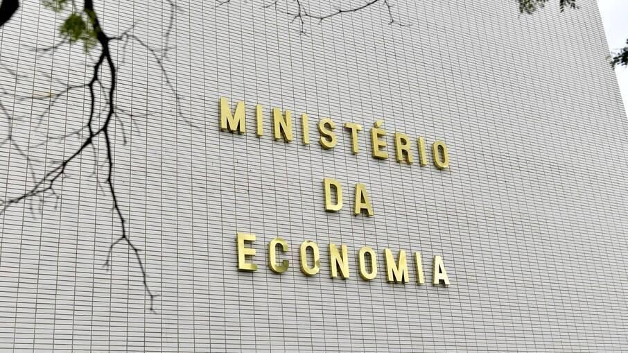 Caio Paes de Andrade, secretário da Economia, disse que o Brasil gasta R$ 8,3 bi por ano com servidores em carreiras extintas